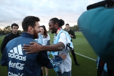 07-06-2017 Lionel Messi surprises young CanTeen heroes at City Football Academy in Melbourne_2