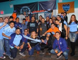 Los aficionados del New York City FC & CS Emelec se reunieron en New York para la celebración de reapertura del Estadio Capwell en Ecuador.